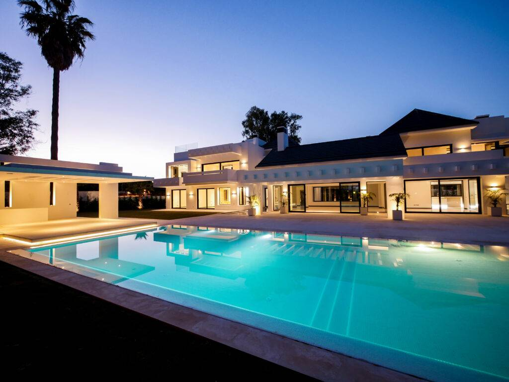 Luxury villa of the highest standard only 200 meters from the beach - Spain
