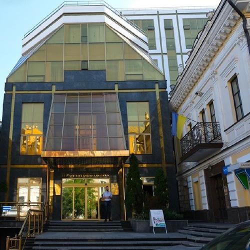 Complex of buildings in the inner-city area - Ukraine